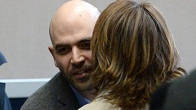 """Saviano al Pd: """"Si vergogni di Verdini  e dei suoi scherani con cui si è alleato"""""""