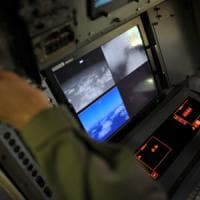 Aereo Egyptair caduto, captato segnale. Ristretta area delle ricerche del relitto