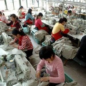 Cina, la lotta per i diritti del lavoro nell'industria delle calzature