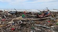 700 rifiuti in 100 metri Legambiente svela    foto    il peggio dei nostri lidi