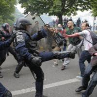 """Francia, continuano proteste contro Jobs Act. Valls apre a modiche: """"Ma il cuore non si..."""
