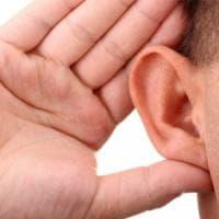 Sentire bene, quando l'udito serve a prevenire il declino cognitivo