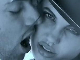 Angelina Jolie inedita sedicenne con Venditti