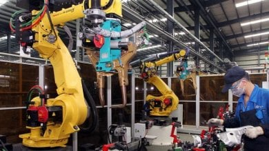 Cina, Foxconn licenzia  60mila dipendenti  e li sostituisce con i robot