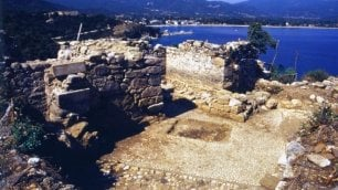 """""""Ho scoperto  tomba di Aristotele """"    Il filosofo  forse sepolto a Stagira"""