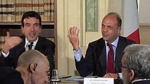 Doppia gaffe di Alfano: confonde i due ministri Orlando e Martina   di MARCO BILLECI