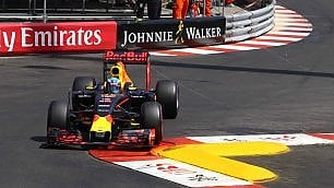 F1, Gp Monaco: pole position per Ricciardo. Vettel in seconda fila