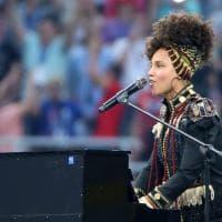 Milano, Alicia Keys e Andrea Bocelli cantano per la finale Champions