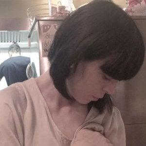 """La mamma che allatta insultata sui social: """"Sei una provocatrice"""""""