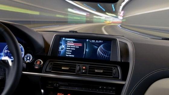 Usa, più connessioni sulle auto che nei cellulari