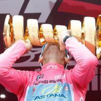 Nibali trionfa al Giro d'Italia: la festa sul podio