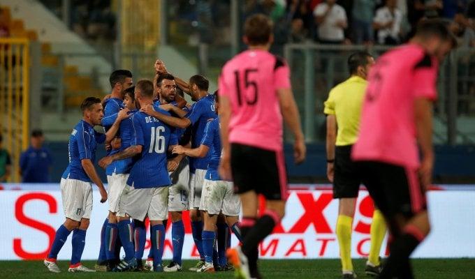 Ci pensa Pellè, l'Italia batte la Scozia   foto