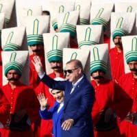 """Turchia, Erdogan contro i metodi contraccettivi: """"Il vero musulmano non li deve usare"""""""