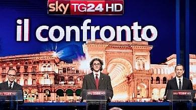 Milano, sfida in tv su tasse e sicurezza tra Corrado, Parisi e Sala /  Livetweeting