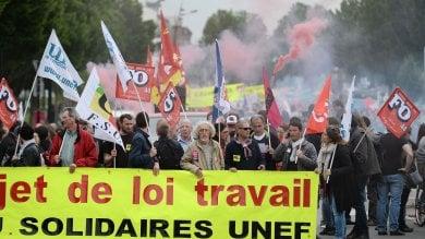 Francia, al via gli scioperi 'illimitati'  contro il Jobs Act di Hollande