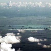 Plotoni di turisti: così la Cina va alla conquista dell'arcipelago