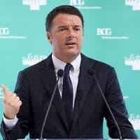 """Renzi: """"Se passa il referendum un politico su tre va a casa"""""""