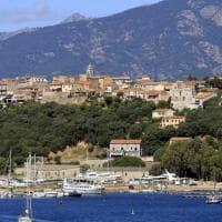 Un traghetto per Corsica e Sardegna. Insieme