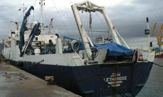 "Aereo Egyptair caduto, nave militare francese capta segnale: ""E' una scatola nera"""