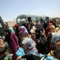 Falluja, 50 mila civili di cui 20 mila bambini intrappolati tra bombe, sparatorie