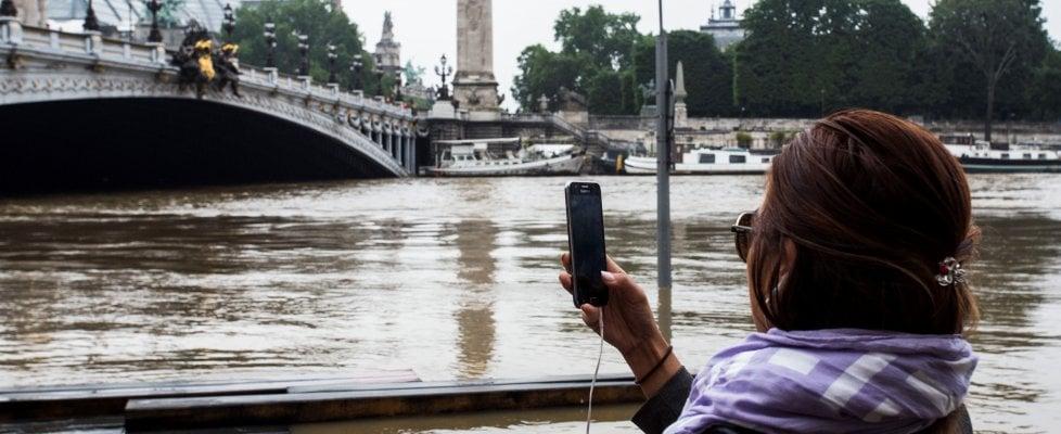 Maltempo, 10 morti tra Francia e Germania. Louvre chiuso per salvare opere a rischio