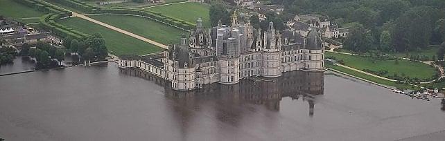 Maltempo, 7 morti in Francia e Germania   foto   Louvre chiude per mettere opere al sicuro   foto