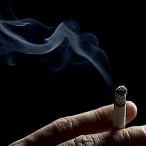 """Oncologia, allarme mondiale sui costi dei nuovi farmaci. La proposta Aiom: """"Un centesimo a sigaretta per un fondo nazionale"""""""