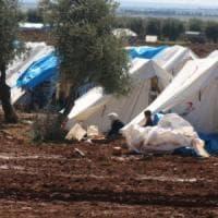 Siria, centomila persone intrappolate tra le linee dello stato islamico e il confine turco