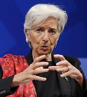 Il Fmi boccia il neoliberismo: stop austerity e controllo sugli investimenti