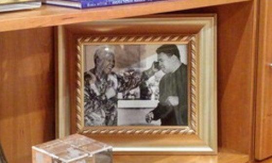 """Morte Ali, Obama: """"Mondo migliore grazie a lui"""". Foreman: """"Se ne va una parte di me"""""""