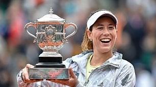 Tennis, Roland Garros: trionfo Muguruza, Serena Williams si arrende