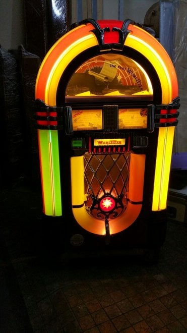 Una rivoluzione al prezzo di un nichelino: 80 anni fa l'invasione del jukebox