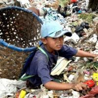 Le moderne schiavitù che riguardano 168 milioni di bambini lavoratori