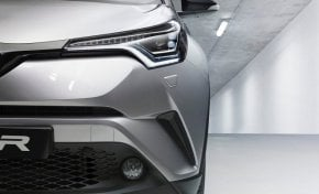 Nuova Toyota C-HR, crossover in salsa ibrida