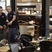 Tel Aviv, spari in centro: il locale colpito dall'attentato
