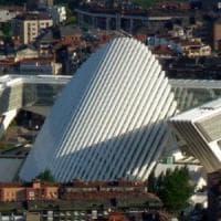I guai di Santiago Calatrava: tre milioni di danni per il Palazzo di Oviedo. E non è un...