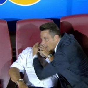 L'abbraccio di Oddo a Cosmi, gli applausi a Carpi e Frosinone: la festa ai perdenti