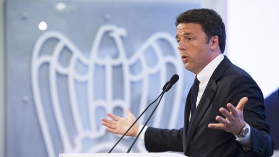 """Referendum, Renzi: """"Riforma costituzionale decisiva per l'Italia"""""""