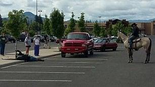Oregon, il cowboy cattura il ladro di bici con il lazo
