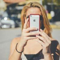 Giovani, anziani, bimbi: nell'estate dei cellulari nasce la tariffa su misura