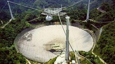A rischio il più grande 'orecchio' del mondo è il radiotelescopio di Arecibo /   Foto