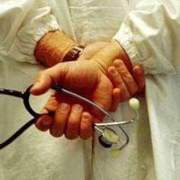 Italiani: dottori fai da te Vogliono decidere loro quali esami e medicine
