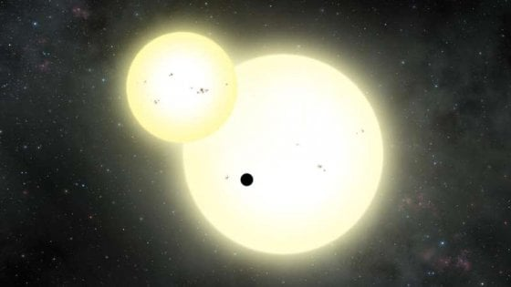 Scoperto il pianeta più grande intorno a una stella binaria
