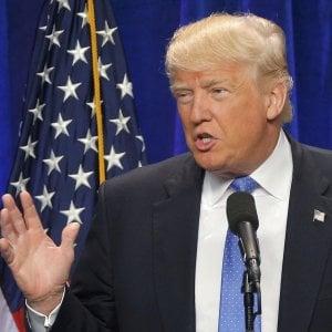 """Strage Orlando, Trump: """"Sospenderò immigrazione a rischio"""". Clinton: """"Demonizzare l'Islam è un aiuto all'Is"""""""
