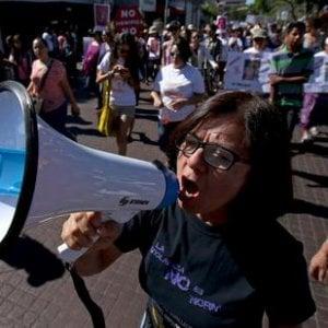 """Femminicidio, il Messico in marcia al grido di """"Ci vogliamo vive"""""""