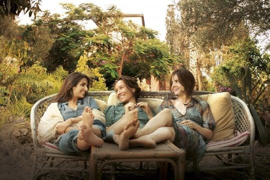 39 la casa delle estati lontane 39 tre sorelle a tel aviv in sala spettacoli - La casa delle vacanze ...