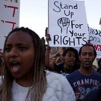 Etiopia, il giro di vite del governo sui cortei: 400 morti e decine di migliaia