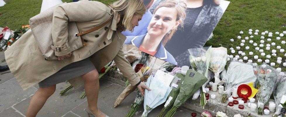 Omicidio Jo Cox: killer sostenitore dei neonazisti Usa. La deputata minacciata ma non protetta