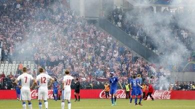 """Violenza, Uefa apre inchieste su Croazia e Turchia. Ultras croati: """"Colpiremo contro la Spagna"""""""