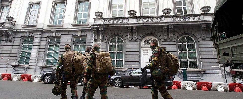 """Bruxelles, blitz anti terrorismo: """"Volevano colpire durante Belgio-Irlanda"""""""